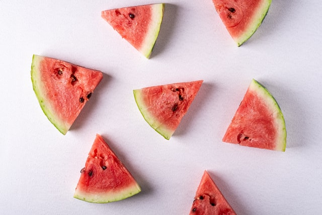 How to cut a watermelon?